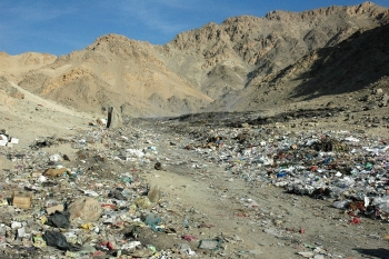 Fed up with trash, smell, Diskitsal residents want Bombgarh shifted