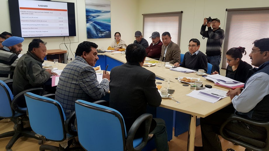 Div Com reviews work of developmental Projects in Leh district