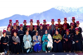 Regional AWWA president, Northern Command,  interacts with Veer Naris in Ladakh
