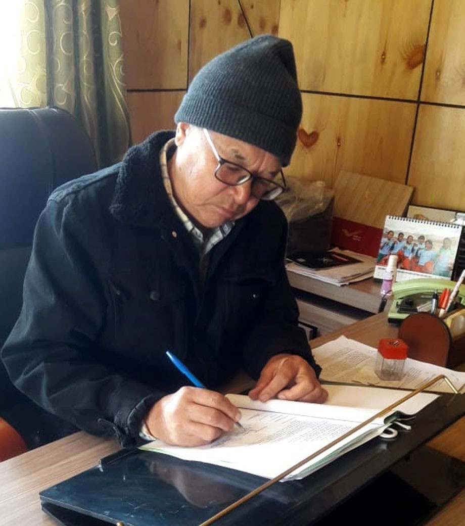 MC, Leh, signs partnership agreement with IUC to help Leh in developing urban 'Action Plan'