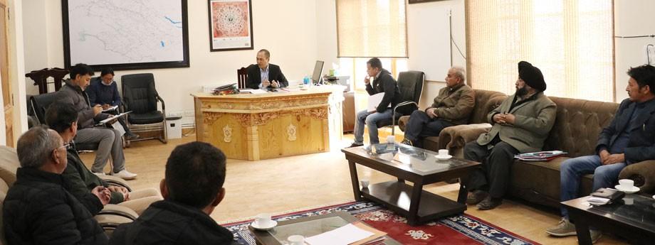 Meeting held to mitigate dog menace in Leh